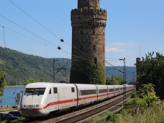 ICE 1 in Oberwesel