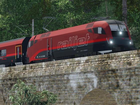 Railjet am Weg Richtung Ramsau am Gutenstein