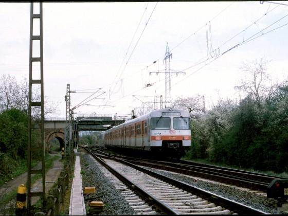 S-Bahn nahe Wiesbaden