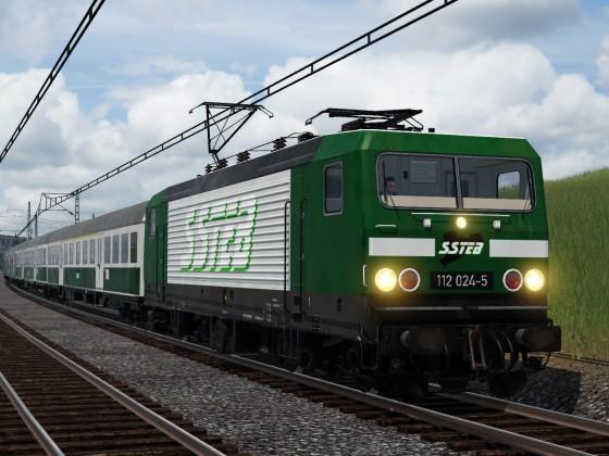 Sächsische Staatseisenbahn unterwegs durch die Landschaft (mit der Promo-Lok)
