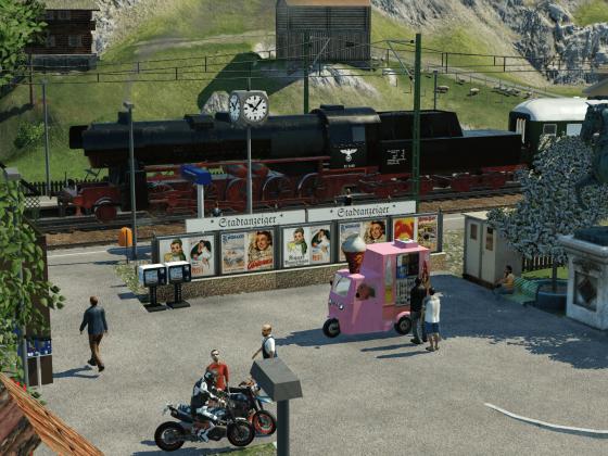 Historischer Sonderzug bei Einfahrt im Alpenbahnhof