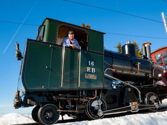 Lokführer Martin Horath bringt die Lok sicher talwärts