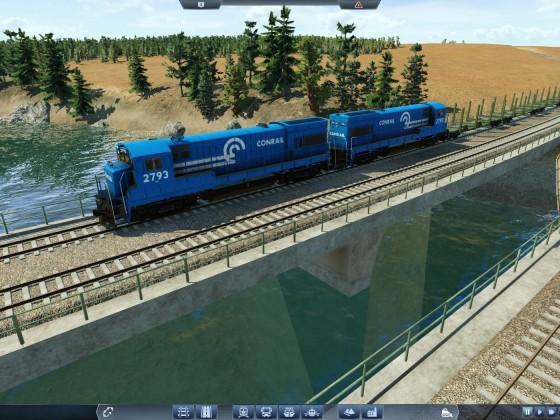 Güterzug mit zwei GE U23B kurz vor Columbus