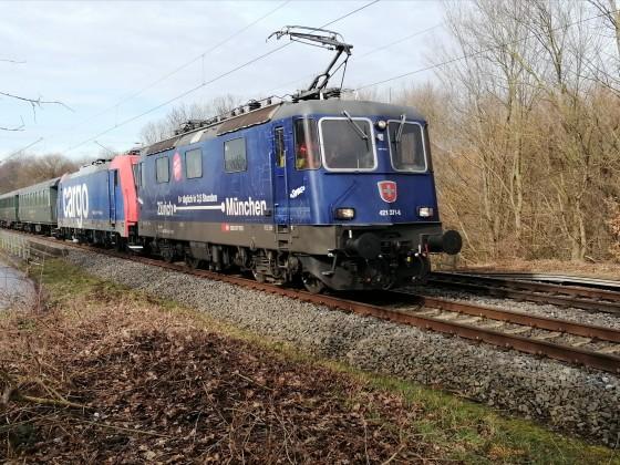 RE421 371 auf Großer Rheinlandtour bei Köln.