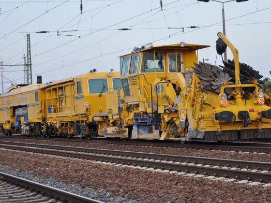 Schotterplaniermaschine SSP 110SW - GBW Gleisbau-Busching-Wagner GmbH #2