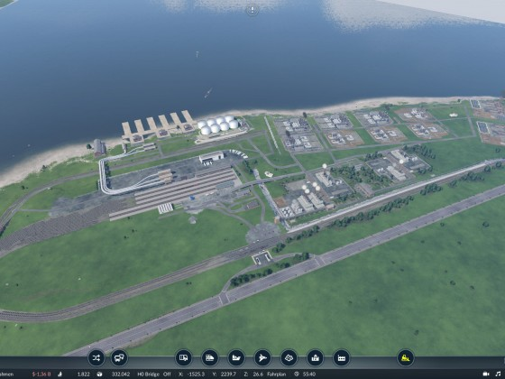 Petrochemie mit Güterhafen und Güterbahnhof und Personenanbindung