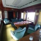 Luxuriöser Salon in Reisezugwagen