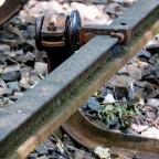Stromschiene mit fehlender Abdeckung - Siemensbahn