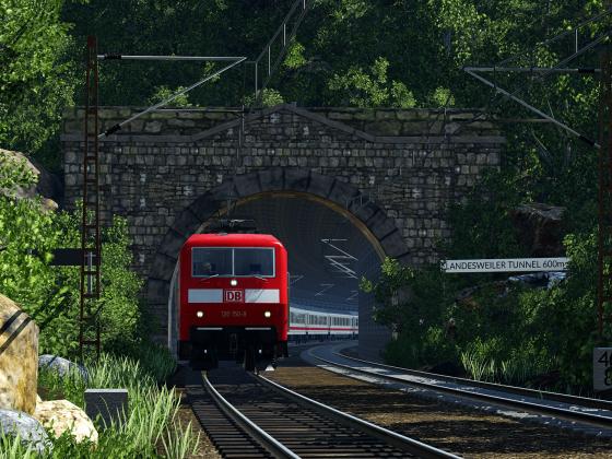 LR2618 beim verlassen des Tunnels