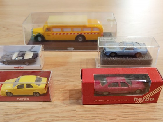 Diverse H0-Fahrzeuge
