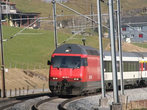 SBB Re 460 067-2 mit einem IR nach Basel SBB