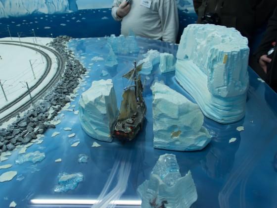 Das Geisterschiff kann Berge ähh.. Eisberge spalten.