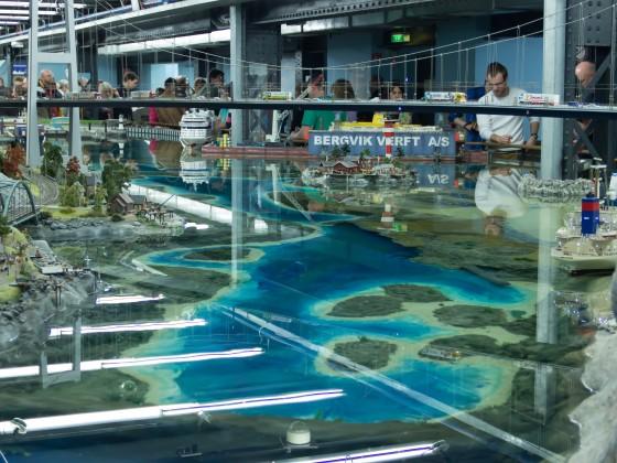 Ausschnitt von Skandinavien mit 33.000 Liter Wasserbecken