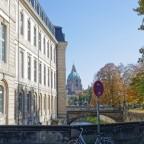 Blick vom neuen Tor zum neuen Rathaus