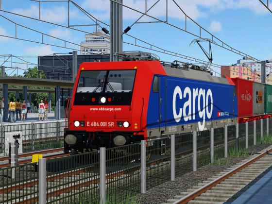 [TpF 1] Re 484 der SBB fährt durch Sommerthur Hauptbahnhof