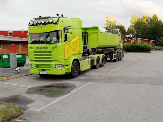 30-ton dumptruck