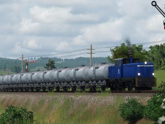 Schmalspurige Diesellok-Version V51 mit Tankzug