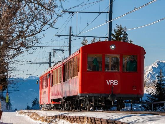 """""""S Füfi"""" Schiebt zwei Vorstellwagen Staffel wärts"""